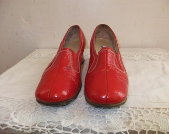 1960's Red  Crinkle Shoe