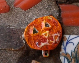 Pumpkin Halloween Pumpkin Upcycled Pin Button Recycled Bottle Cap Halloween Pumpkin OOAK Freaky Jack O'Lantern  shipping included