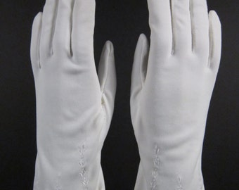6-6-1/2-Vintage White Embroidered Dress/Church/Prom Gloves-9 inches(385g)