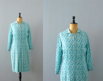 Vintage 1960s dress. 60s paisley print dress. aqua shift dress