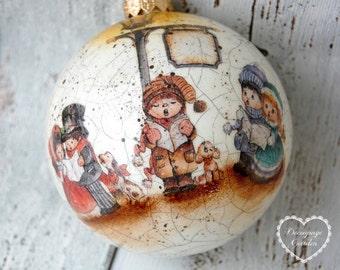 Christmas Ball, Christmas Ornaments Carolers, Christmas Decoupage, Christmas Craft