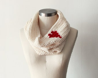 Cozy Cowl in Cream Heart