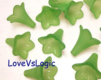 20 Trumpet Lily Acrylic Flower Beads Charms. Matte Dull Grass Green