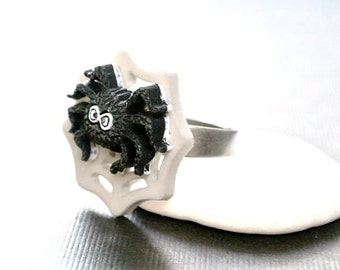 Spider Ring ,Halloween Jewelry, Web Ring,Gothic Spider ring, Spider Web Ring, Insect Jewelry,Halloween Gift, Scary Ring, Creepy Jewelry