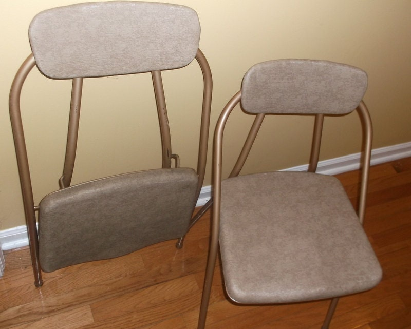 Pair of 2 Vintage Cosco Folding Chairs Bronze Brown