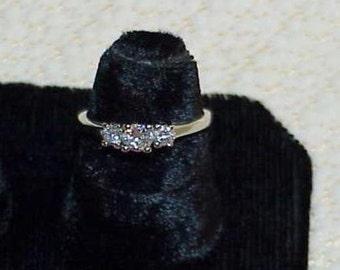 14K .50Ct VS Diamond 3 Stone Band Ring Size 6 White Gold Clean Gorgeous! Estate