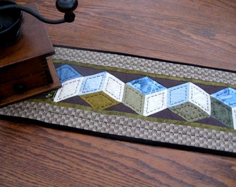 Tumbling Blocks-Cotton Quilted Table Runner in Earth Tones