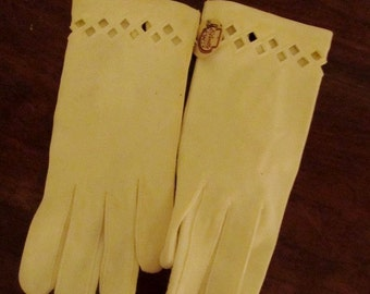 50's White Cotton Gloves by Elvette mde in USA