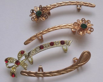 vintage Costume Jewelry pin brooch unusual lot set rhinestone faux gold green red clip long