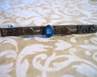 Antique Art Nouveau Edwardian Bar Pin w Blue Stone