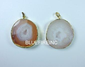 Geode Druzy Pendant 24kt,Gold Plated Edge Geode druzy Pendant in Orange/White color, gemstone Pendant