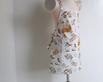 Childrens Apron - Farm Animals All Over....E I E I O boy or girl kids apron, a sweet kids apron, great for cooking or creating fun crafts in