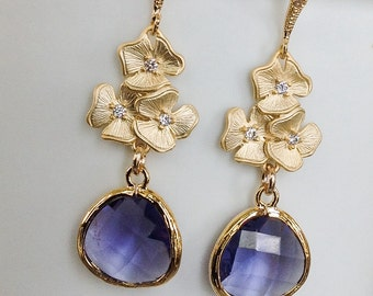 Dangle Earrings / purple wedding / Bridesmaid gifts / Drop earrings / Antique/ purple bridesmaid / purple and gold / lavender /gift