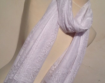 ON SALE - White Tulle Scarf - Shawl Women Scarf- Cowl Scarf with Lace Edge - pinti