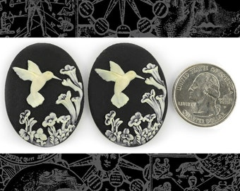 Hummingbird 30x40mm Cameos - Two Cream and Black 30x40mm Resin Cameos  CAM112