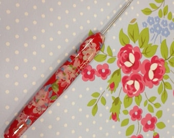 Play Hooky- Hand decorated crochet hook- Red Floral. Available in sizes 2mm -6mm.