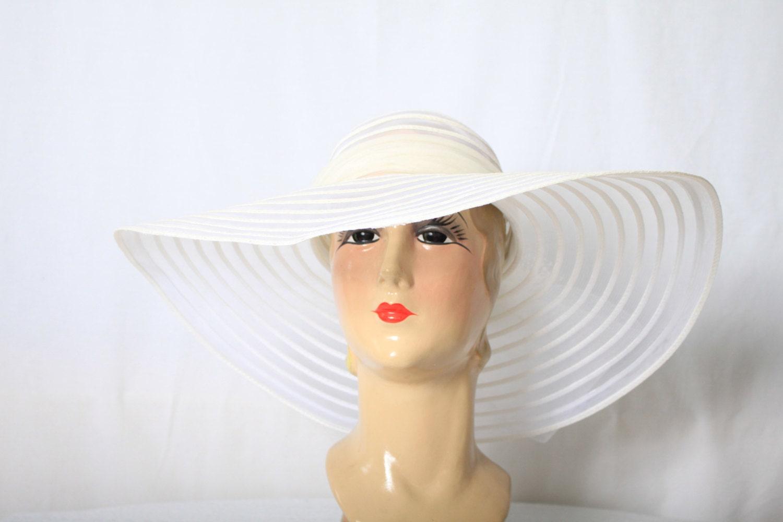 ann es 70 large chapeau bord blanc mariage garden party. Black Bedroom Furniture Sets. Home Design Ideas