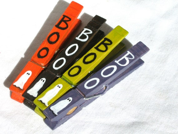 HALLOWEEN BOO CLOTHESPINS hand painted magnetic