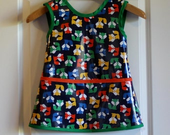 Criss Cross Back Long Kids Art Smock Art Apron in Navy with Foxes