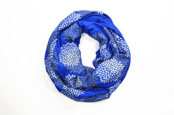 INFINITY SCARF - Screen Printed - Gray Flowers on Royal Blue
