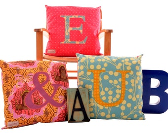 Letter cushion Coral Dot