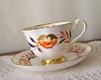 Vintage Teacup and Saucer Royal Chelsea Hand Decorated Gold Teacup English Teacup and Saucer Set Wedding Gift for Bride Vintage 1940s