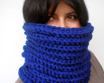 Dark Royal Fashion Cowl Super Soft Neckwarmer Woman Chunky Cowl NEW