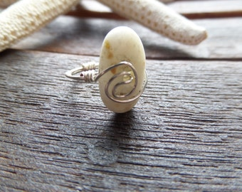Scottish Ring Rare Iona Marble Wire Wrapped Ring From Scotland size 4 Small Ring White and Silver