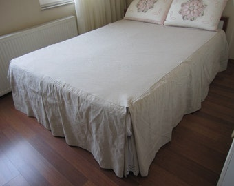 full Queen bedspread box pleated 18 20 21 22 27 30 inch drop split bedskirt Oatmeal linen skirted coverlet - Farmhouse French country home