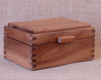Monkeypod, Finger-Jointed Crown Top Box (square)