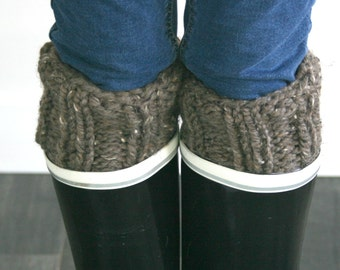 Knit Boot Cuffs,Warmers,Knitted Winter Accessory,Chunky Boot Toppers// Barley/THE CALGARY CUFFS