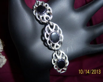 Sarah Coventry Lucite and Silver Tone Link Bracelet