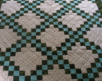 Green Double Irish Chain Twin Quilt-Free Shipping on this Quilt