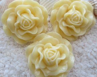 Resin Ruffle Style Flower Cabochon - 31mm -  Pale Yellow/Ivory - 6 pcs