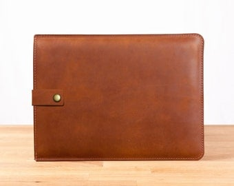 "13"" MacBook Pro Leather Sleeve Case with Strap in Brown"