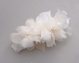 Pure Silk Bridal Hair Piece, Bridal Flower Comb, Wedding Hair Piece, Bridal Head Piece Flower Wedding Headpiece Flower Bridal Hair Accessory