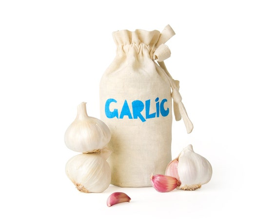 GARLIC: Handmade reusable eco food container. Kitchen storage solution. Hemp organic cotton farmers market tote. Garlic keeper.