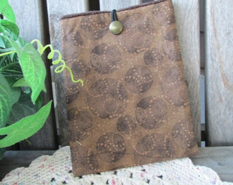 ON SALE - CLOSEOUT Kindle Fire eReader Nook Sony Sleeve Pouch Bag Clutch Brown Tan Bubble Print