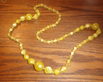 vintage necklace yellow lucite