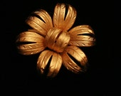 Gorgeous Vintage Goldtone Flower Brooch