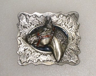 "C+J Silver Tone Enameled Metal 3-D Horse Head Belt Buckle / 1988 Made in Usa / Fits Up To 1 7/8"" Wide Belt"