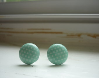 Periwinkle with polka dot posts