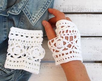 Hand Crochet fingerless gloves - Crochet wrist warmer fingerless gloves - Lace fingerless gloves - Romantic - Weddings.