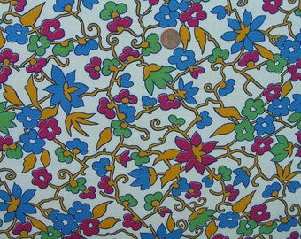 Vintage 50s FIELD OF POSIES Fabric // 3 yards 12 ins. long X 35 ins. wide