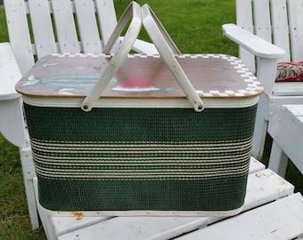 Vintage Redmond Green and White Picnic Basket