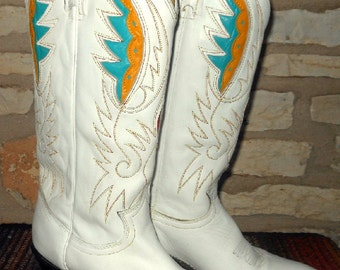 Vintage White Acme Cowgirl Western Boots with turquoise, yellow and red feather inlays size 8 1/2 to 9