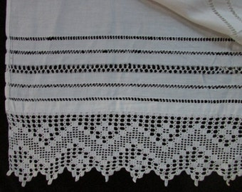 Vintage  White Crocheted Lace,  Pull Work and White Cotton Fabric, Vintage Textiles, Vintage Crochet, Vintage Lace, Vintage Sewing Supplies