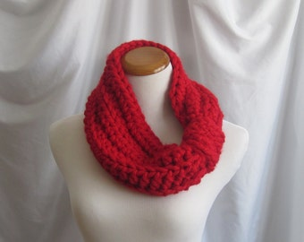 Cowl Chunky Bulky Crochet Cowl:  Red with a Twist