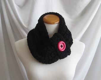 Cowl Button Neckwarmer Chunky Bulky Crochet Neckwarmer Cowl:  Black with Hot Pink Button