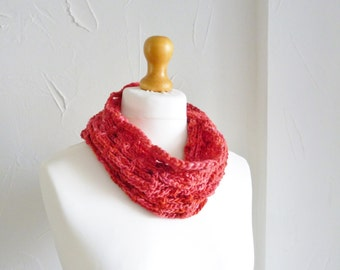 Poppy red lambswool cowl - luxury hand spun hand dyed yarn - soft and silky- hand made - crochet